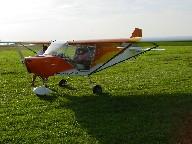 Moment extraordinaire pour Marc, Alex sort du Guepy, c'est son premier vol seul à bord !